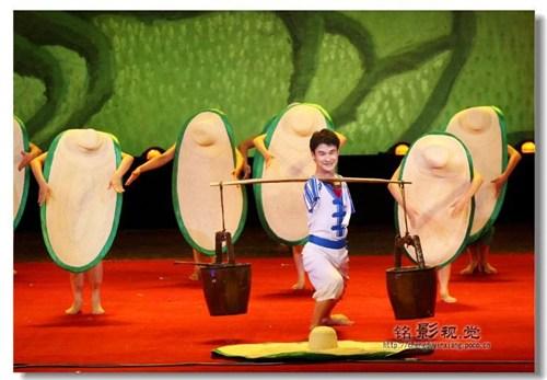 图为中国残疾人艺术团演出现场