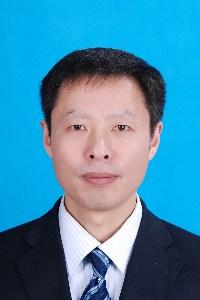 图为:王海潮副理事长