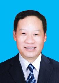 图为:张国美副理事长