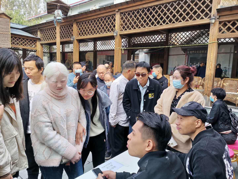 """洛阳市残联举办""""双选""""见面会  不断促进残疾人就业"""