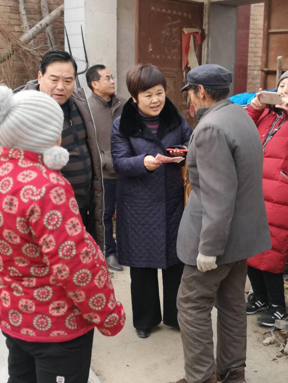 濮阳市残联到帮扶村 走访慰问贫困户并开展扶贫政策宣讲