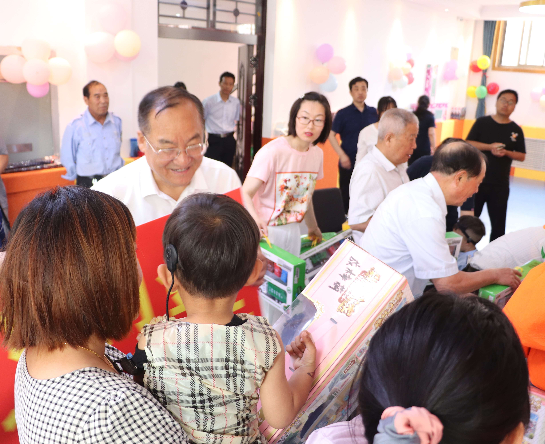 """濮阳市残疾人康复教育中心组织开展""""童心向党 快乐成长""""庆六一活动"""