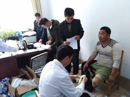 图为汝州市残联开展2018年假肢适配活动