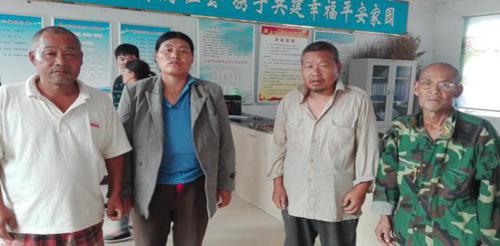 图为龙口镇王坦庄村委一家三口患重性精神病 到驻马店安康医院给予免费医疗救助