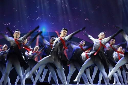 图为我省获得一等奖舞蹈节目《追梦》