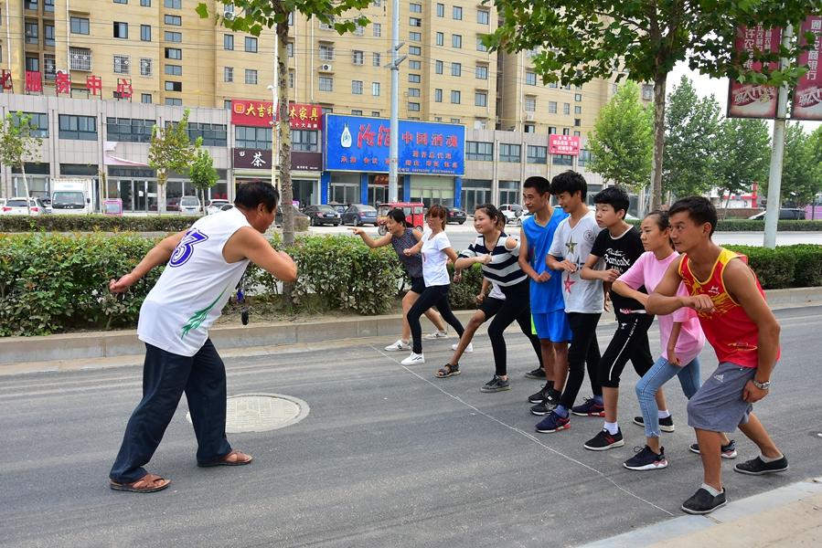 通许县残疾运动员挥汗备战 市第四届残运会