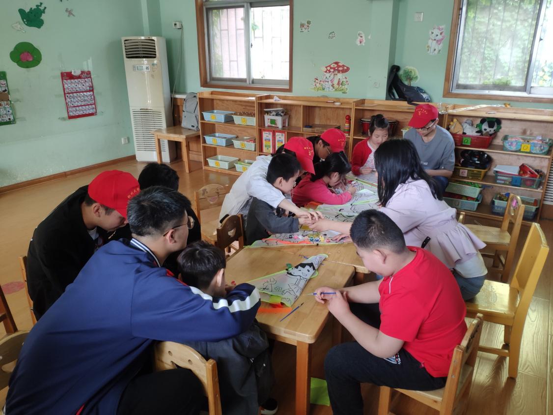 放飞希望,拥抱春天 ——郑州大学化工与能源学院志愿者走进省康复中心关爱特殊儿童